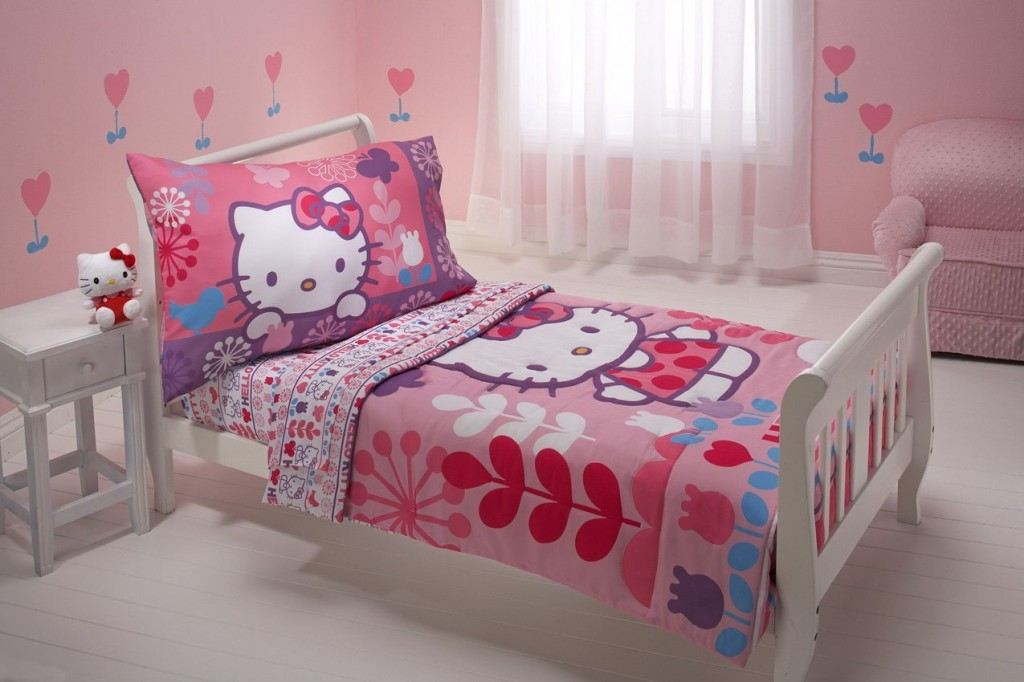 Hello Kitty bedding set for toddler girls