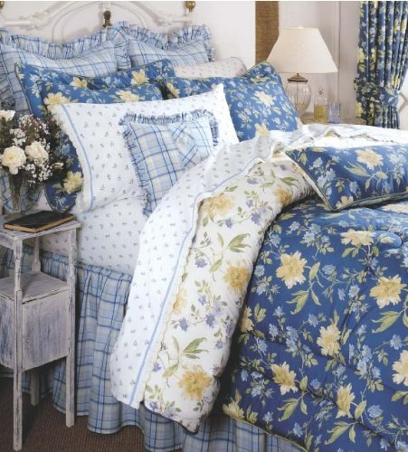 Cute Blue Floral Comforter Set