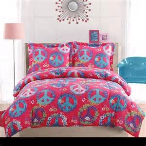 Cheerful 3 Piece Peace Sign Comforter Set for Teen Girls