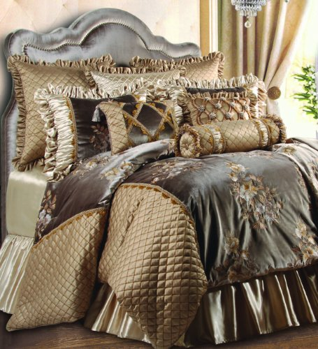Stunning Gold and Brown Comforter Set