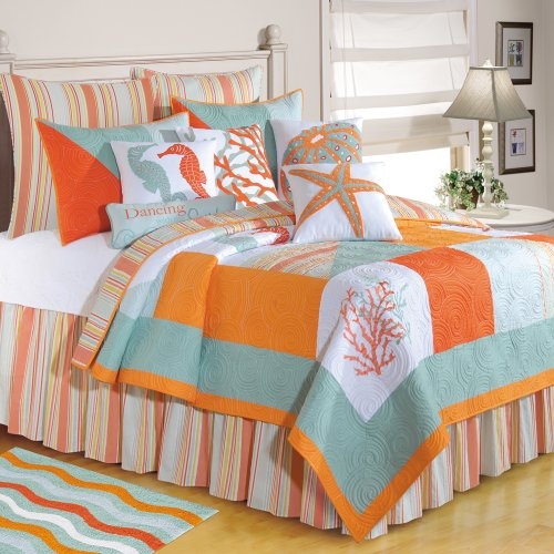 Starfish and Seahorses Beach Quilt Set