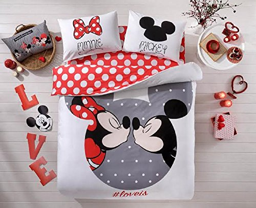 Mickey and Minnie Mouse Kissing Bedding