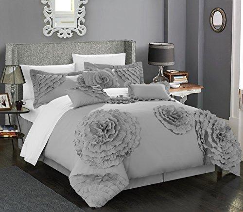Pretty Silver Comforter Set